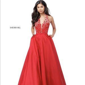 Size 4 red Sherri hill